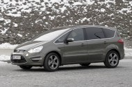 Ford S-Max bok