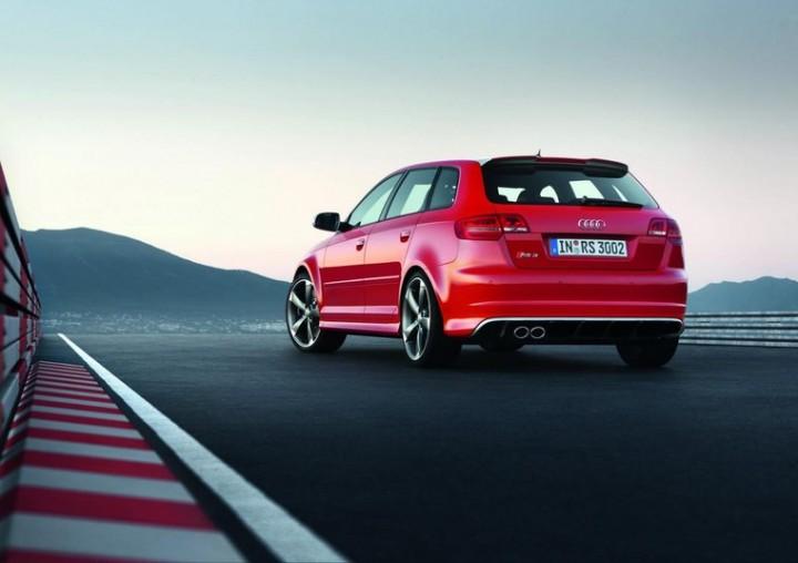 Audi A3 8l Wymiana żarówek W Trzecim świetle Stopu Elektronika