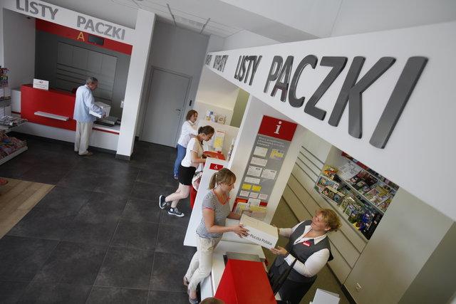500da69b5268aa Czy można płacić kartą płatniczą na poczcie? - Usługi kurierskie - Logistyka  - Infor.pl